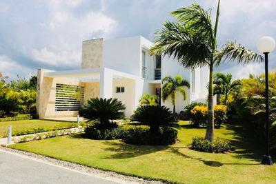 Casa Frente Campo Golf Y Playa En Proyecto Romana