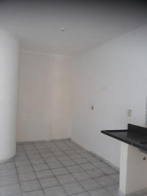 Alugo Casa De 2 Quartos Sala Cozinha Banheiro .