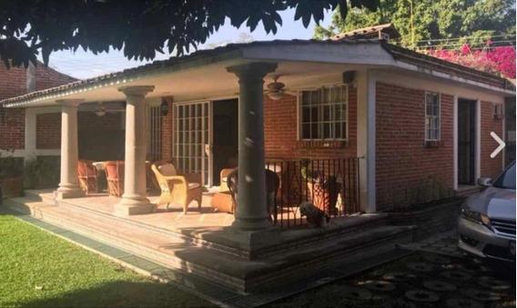 Hermosa Casa Estilo Mexicano Moderno, 3 Recámaras Y Alberca.