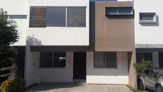 Casa En Coto Santillana Frente A Parque