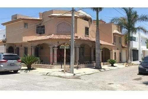 Casa En Venta, Quinta San Isidro, Torreón, Coah.