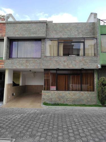 Casa En El Norte De Quito 3 Habitaciones En Conjunto Privado