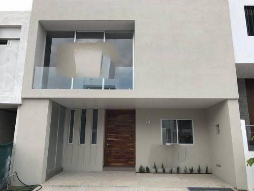 Preciosa Casa En Solares En Guadalajara