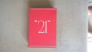 Livro - 21 Livros Famosos De Seleções