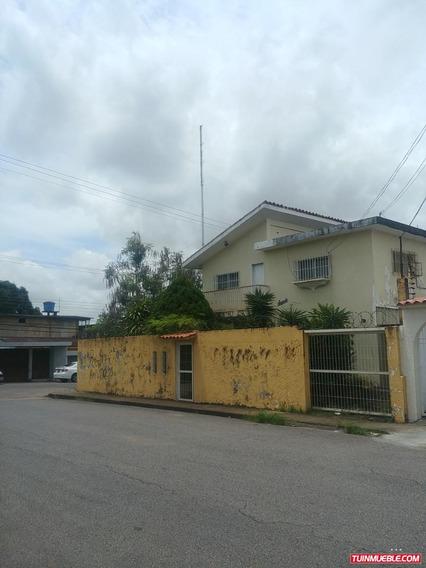 Casas En Venta Av. Alberto Ravell