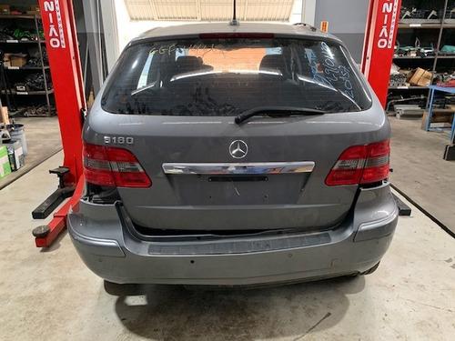 Imagem 1 de 14 de Sucata Para Retirar Peças Usadas Mercedes B 180 2010