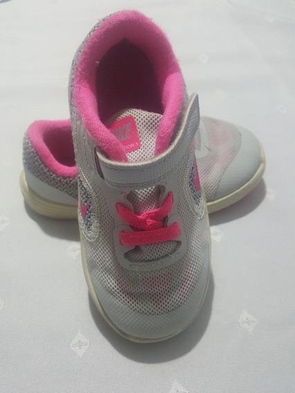 Zapatilla Nike Nena Gris Con Rosa