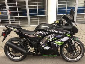 Moto Kawasaki Ninja 250, Barata, $6