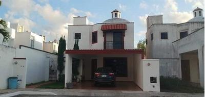 Se Vende Casa En Fraccionamiento La Castellana