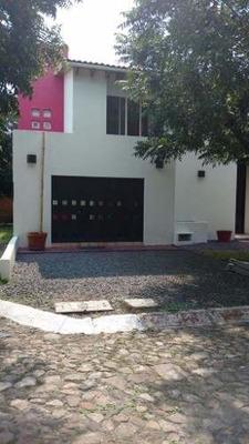 Casa En Venta El Pueblito Con Amplios Espacios $2,600,000