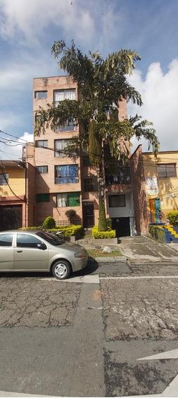 Apartamento Con Dos Habitación Y Un Baño Segundo Piso