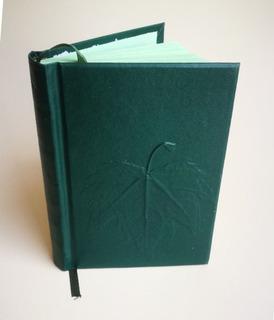 Cuaderno Tapa Dura En Percalina Verde Con Hoja En Relieve