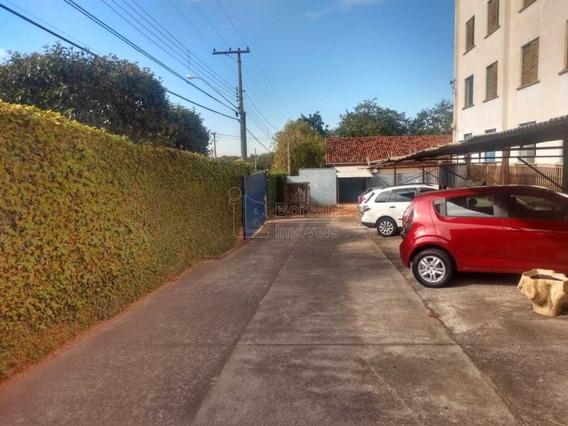 Venda De Apartamentos / Padrão Na Cidade De Araraquara 10320