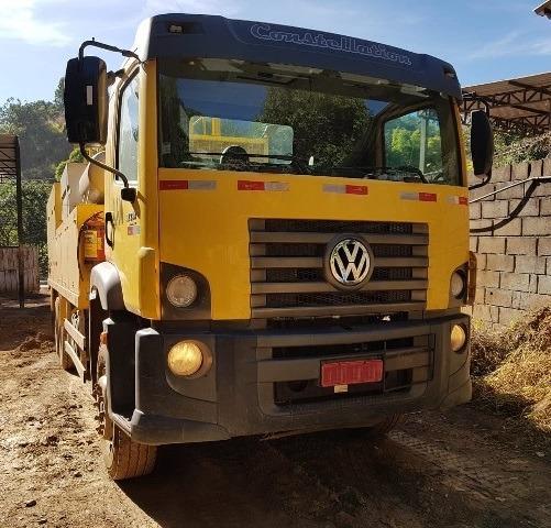 Volkswagem 31-330 6x4 Ano 2013/2013 Comboio Lubrificante