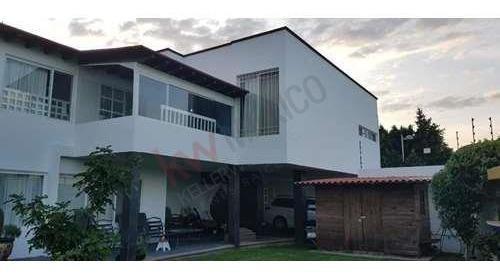 Amplia Casa En Venta, Tabachines, Real De Juriquilla.