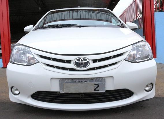 Toyota Etios Hatch Xs 1.5 Flex 2017 Branca