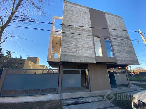 Duplex En Venta - Villa Primera