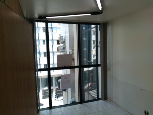 Imagem 1 de 10 de Sala Comercial De 54m² No Centro - Sa0811