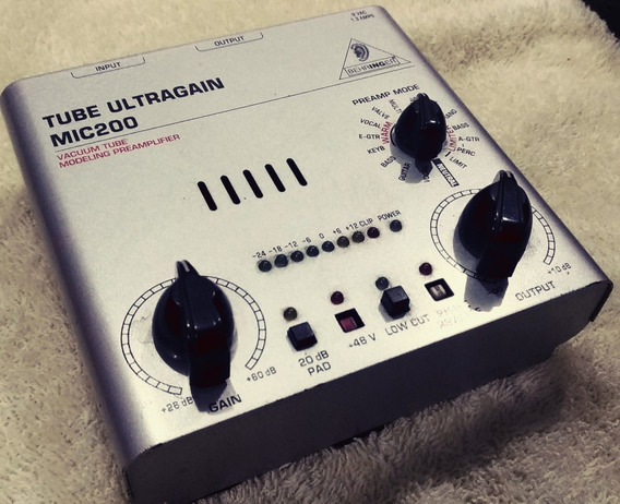 Pré Amplificador Valvulado Beringher Mic 200