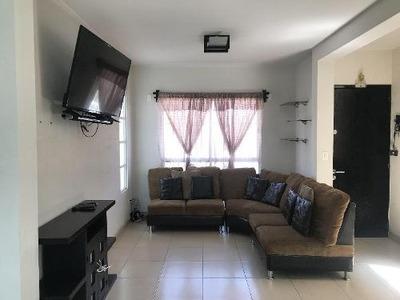 Casa En Renta En Privada En Toluca Zona Aeropuerto, En La Salida A Cdmx, Puede Ser Amueblada