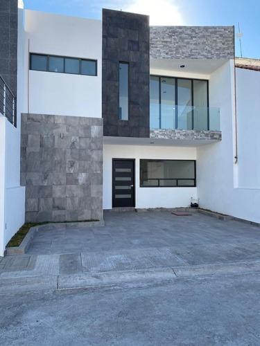 Hermosa Casa Dentro De Privada A Tres Minutos De Nueva Plaza