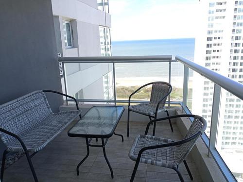 Departamento, 2 Dormitorios   Dep, Con Parrillero Y Vista - Playa Brava