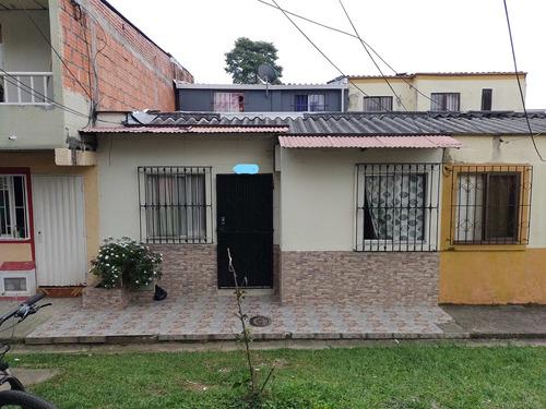 Venta Casa Medianera Y Peatonal En La Sultana