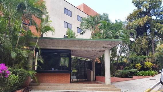 Alquiler En Colinas De Bello Monte. Apartamento Ejecutivo.