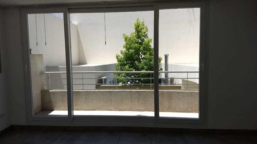 Imagen 1 de 10 de ( Ya Está Alquilado). Excelente Monoambiente Con Balcon