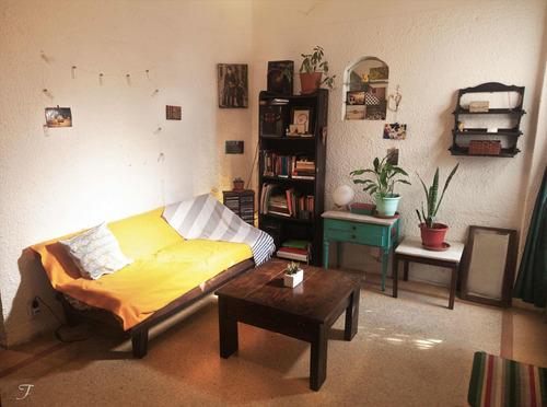Casa En Venta 1 Dormitorio, Jardín Y Cochera