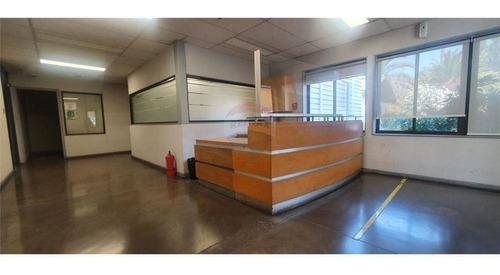 Galpón Industrial - Edificio Oficinas Habilitadas