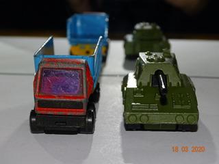 Pacote 5 - Com 2 Miniaturas Matchbox Sp Gun E Truck B992