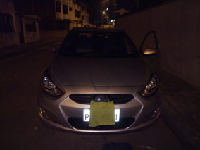 Hyundai Accent 2014 1.6 Coreano / Sedan Flamante - Unico Due
