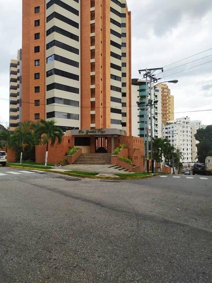 Apartamento En Venta, Las Chimeneas, Valencia, Carabobo.