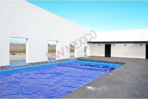 Terreno En Venta Cerca De Zona Industrial, Pozos, Zibari Residencial. $640,300.00