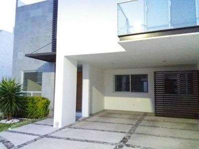 Casa En Renta. La Vista Residencial. Rcr171005-na