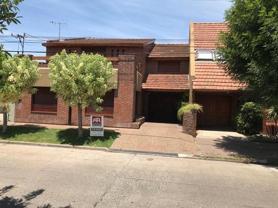 Casa Céntrica Calle Ituzaingo, Lujan