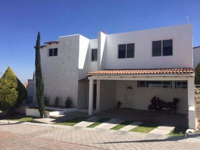 Se Vende Casa En Fracc. Los Cipreses, Corregidora