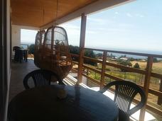 Casa-departamentos Con Hermosa Vista Al Mar En Pelluhue.