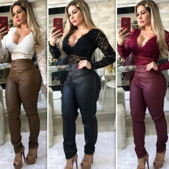 Calça Feminina Em Couro Fake Cintura Alta Com Botões Fm