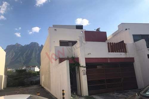 Imagen 1 de 25 de Casa En Venta Puerta De Hierro, Residencial Pedregal Sur