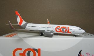 Avião Miniatura - Boeing 737-800 - Gol - 1:400 - Phoenix