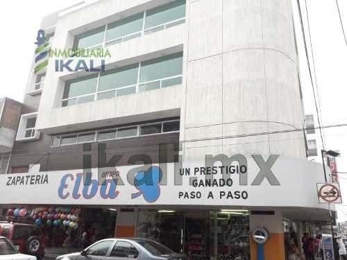 Renta Oficina 110 M2 Colonia Centro Poza Rica Veracruz. Ubicado En La Calle 2 De Oriente Esquina Con 6 Norte. La Oficina Se Encuentra En Primera Planta Del Edificio Y Cuenta Con 2 Medios Baños, Y Un