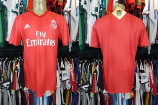 Real Madrid 2018 Camisa Reserva Tamanho M.