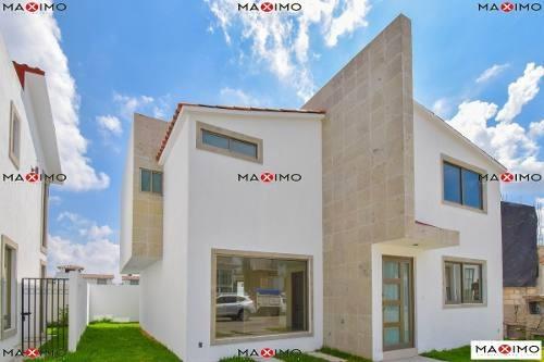 Hermosa Casa En Condado Del Valle, Metepec