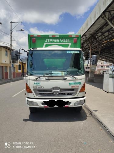 Camion Furgon Hino 500