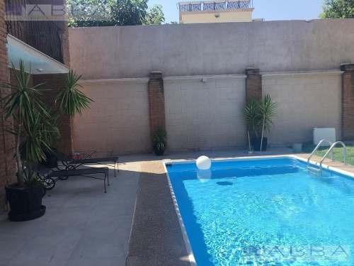 Casa Amueblada Con Asistencia En Club Campestre