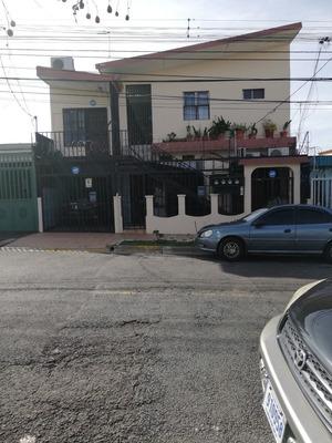 Apartamento 2 Dormitorios Cerca Del C.c Sur