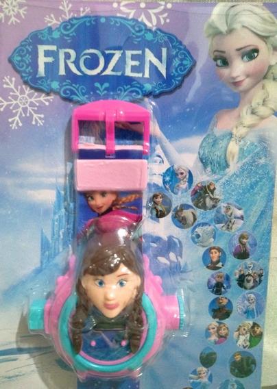 Relógio Infantil Frozen Projeta 24 Imagens Na Parede Oferta