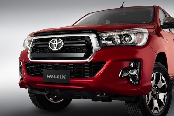 Toyota Hilux 2.8 Cd Srv 177cv 4x4 6mt